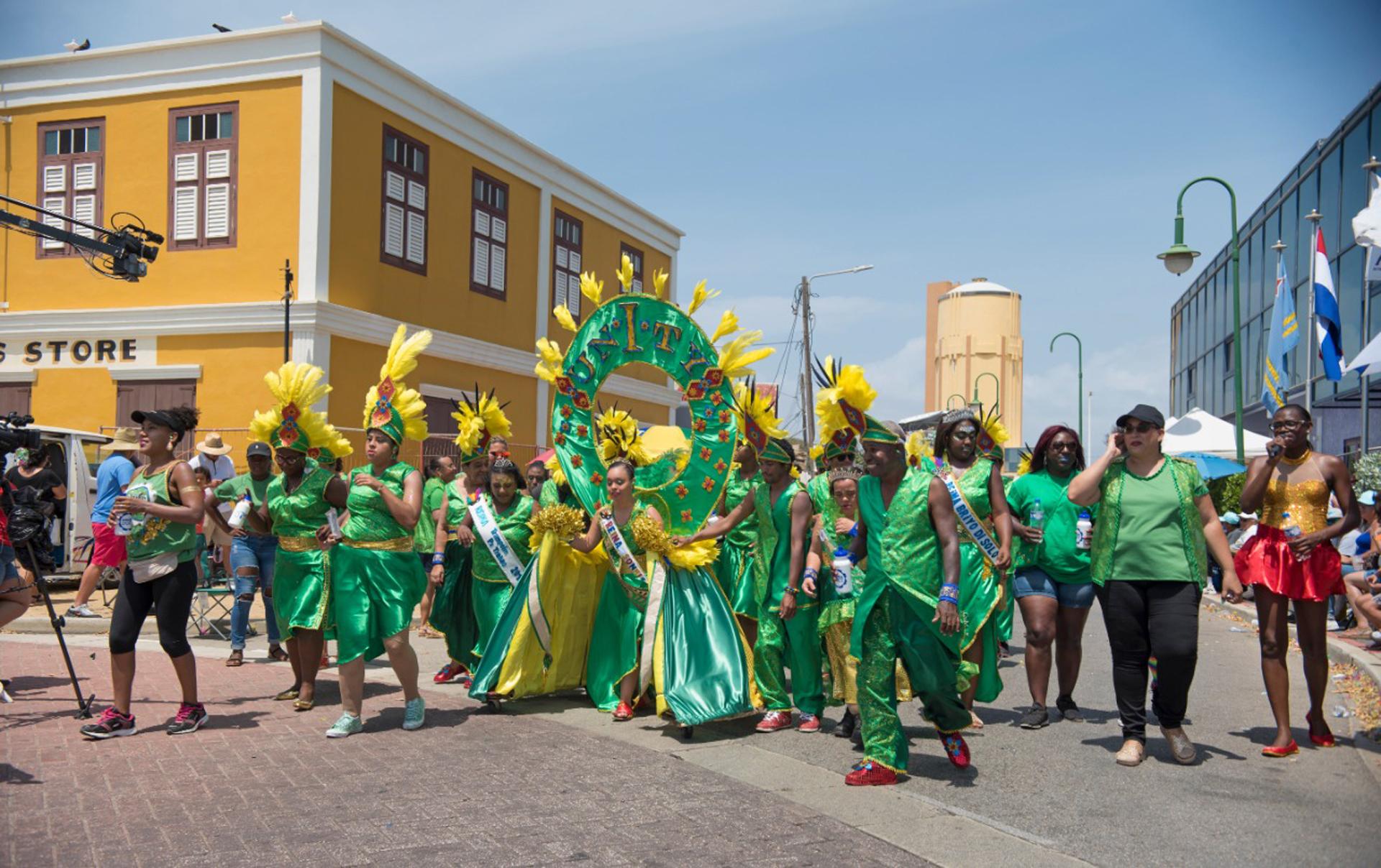 Participacion di ARUBA DOET y Unity Carnival Group den Carnaval 65 un exito rotundo!